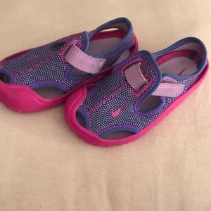 Nike SUNRAY PROTECT Pink/Purple Water SANDALS 7C